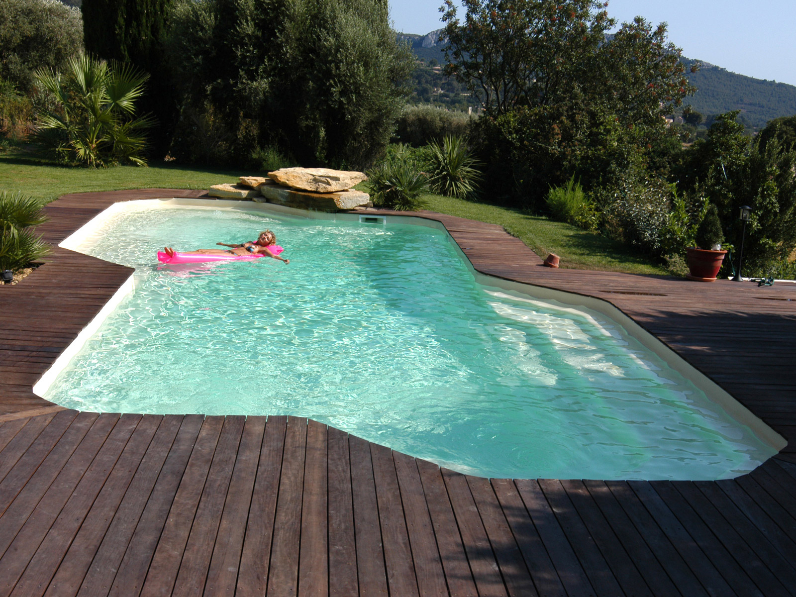 Fertigbecken for Destockage piscine coque